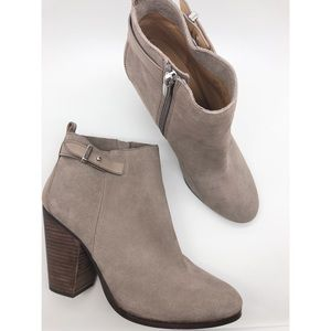 Coach 10 Hewes Light Gray Block Heel Ankle Boot